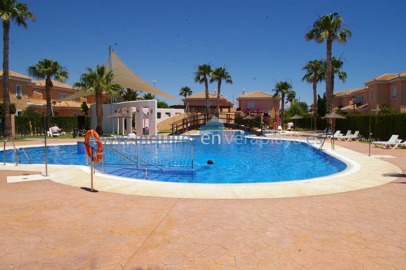 Alquiler de pisos y apartamentos en Sarri08034