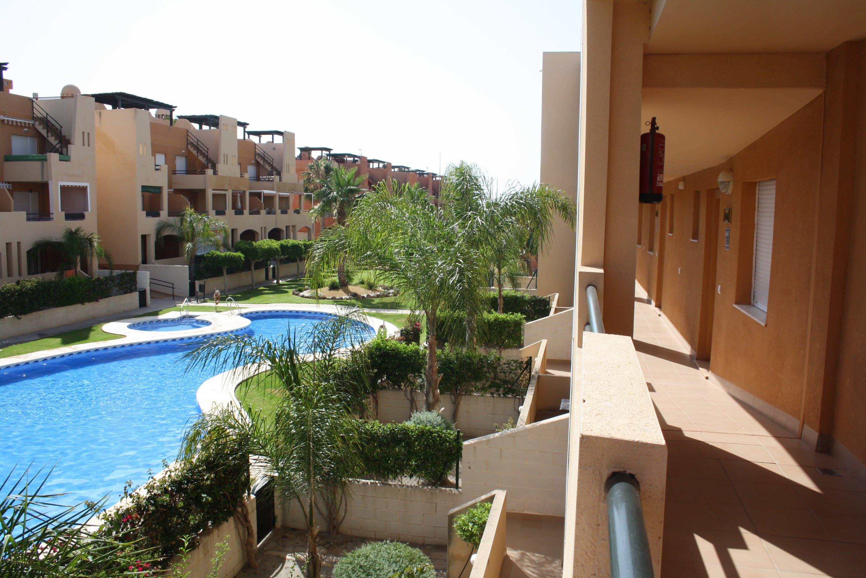Alquiler De Apartamento en Urbanización Paraíso de Vera RA470