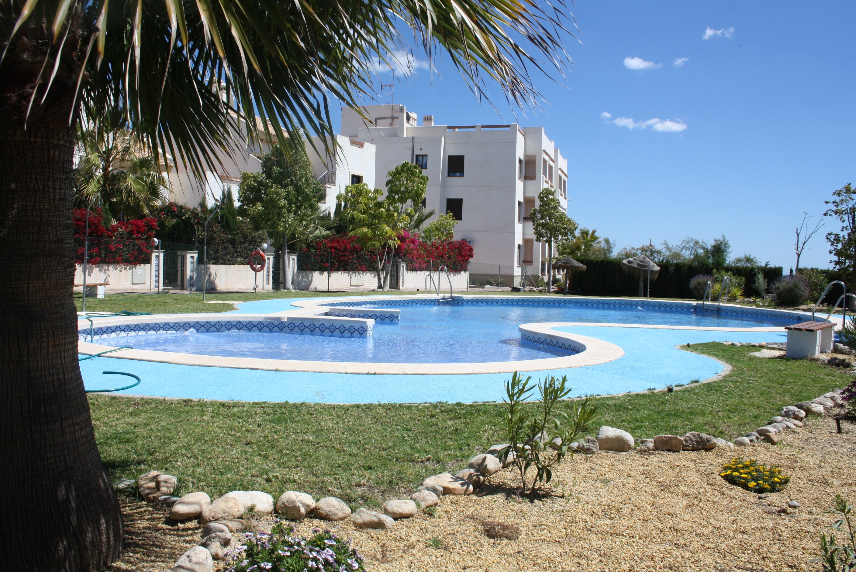 Alquiler de casa adosada en Pueblo Barea RA508