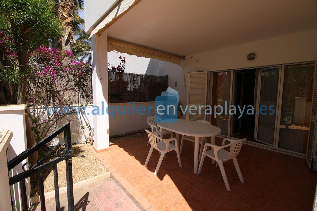 Alquiler de apartamento de 2 dormitorios en Puerto Rey, Vera playa RA513