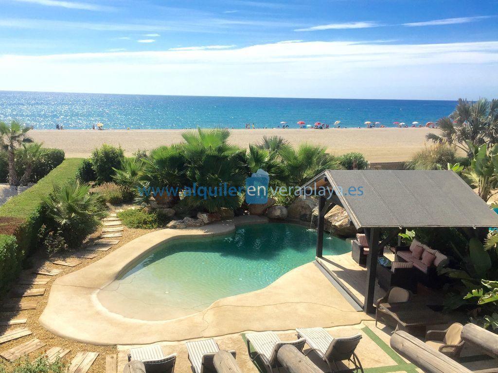 La Papaya, Villa de 3 dormitorios en 1ª línea de playa, Vera playa RA547