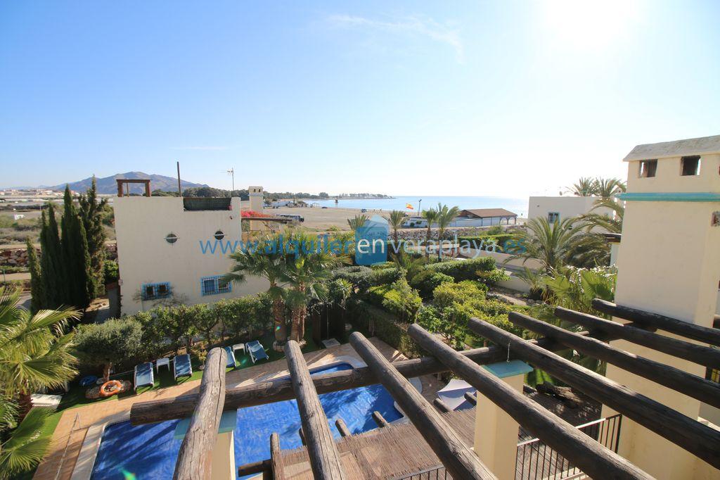 Alquiler de Villa de 4 dormitorios en Vera playa 2ª línea de playa RA550