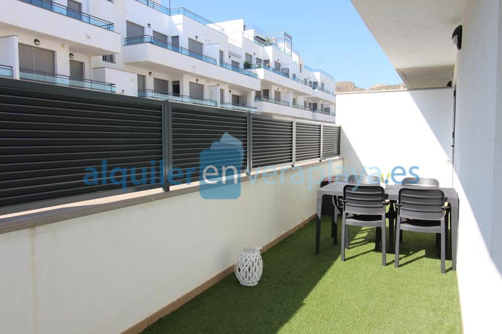 Alquiler de apartamento de 2 dormitorios en Pinar de Garrucha RA557