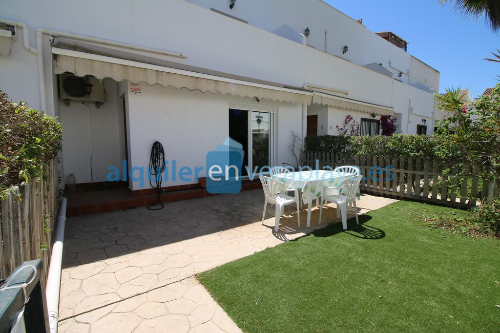 Alquiler de duplex de 2 dormitorios en La Buganvilia RA596